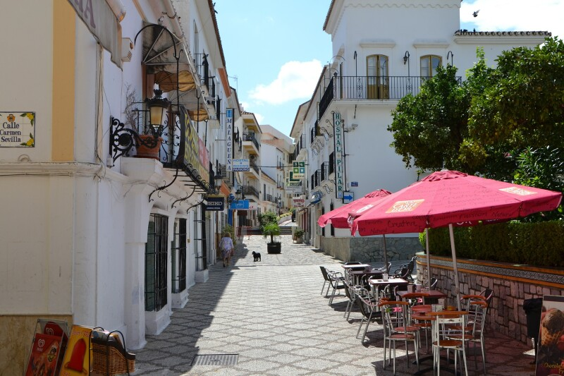 Estepona is a little charming town with an Andalusian style
